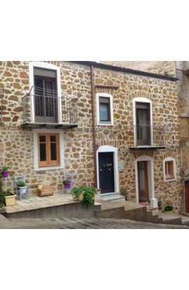 HISTORIC STONE HOUSE - SALITA LA CORTE - PROPERTY FOR SALE AND ALSO VACATION RENTAL
