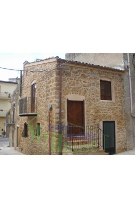 HISTORIC STONE HOUSE IN VIA GIUSEPPE LA CORTE - PROPERTY IN SICILY