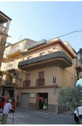CASA PERCONTI CORSO VITTORIO EMANUELE -PROPERTY IN SICILY