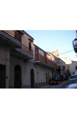 HOUSE WITH GARDEN RE  VIA FIDANZA - PROPERTY IN SICILY