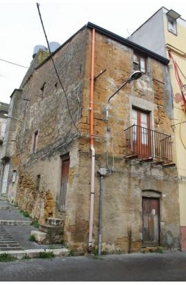 CASA MONTALBANO VIA LA CORTE - PROPERTY IN SICILY