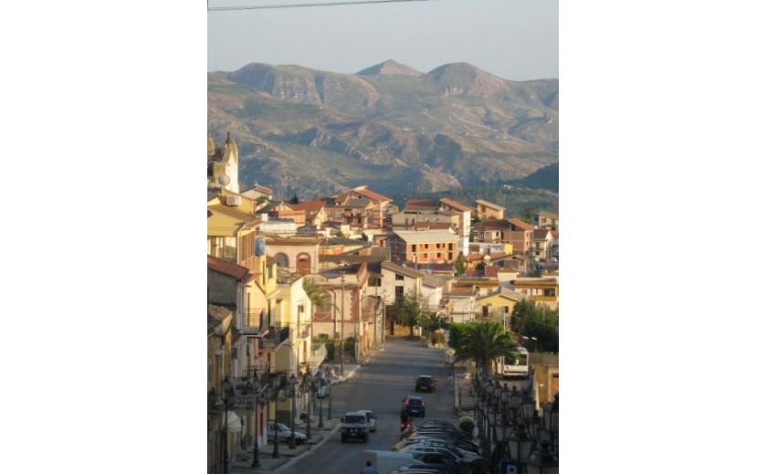 The 1 euro houses in Sambuca di Sicilia or in Cianciana ?